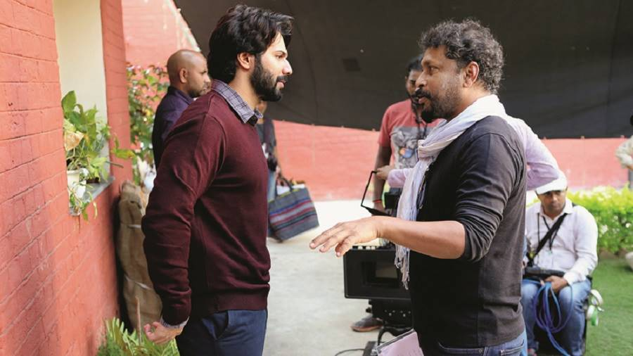 Shoojit Sircar with Varun Dhawan on the sets of October