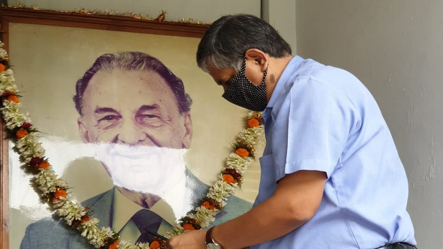 GM, Tata Steel (Jharia division) Sanjay Rajoria pays tributes to JRD Tata on his 116th birth anniversary in Dhanbad on Wednesday