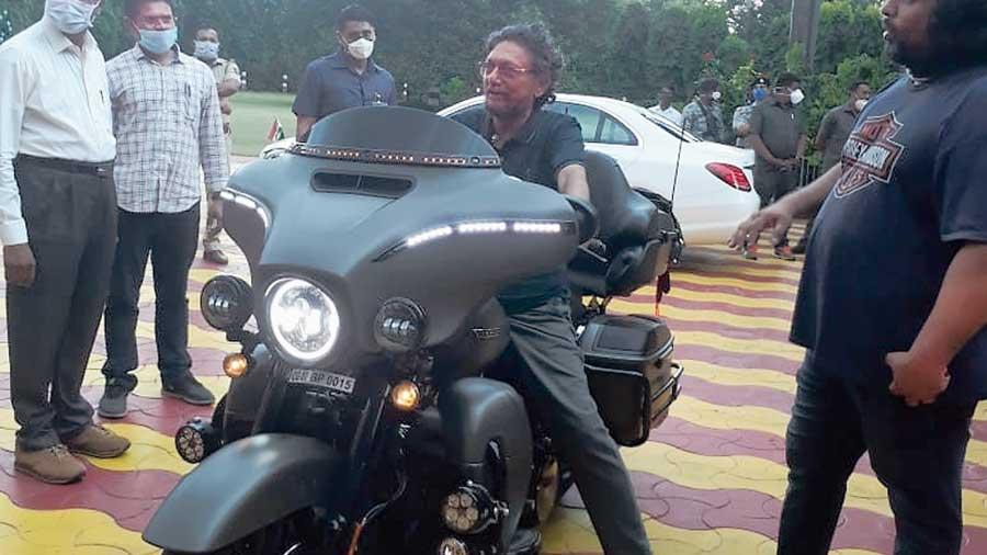 CJI Bobde on the Harley-Davidson