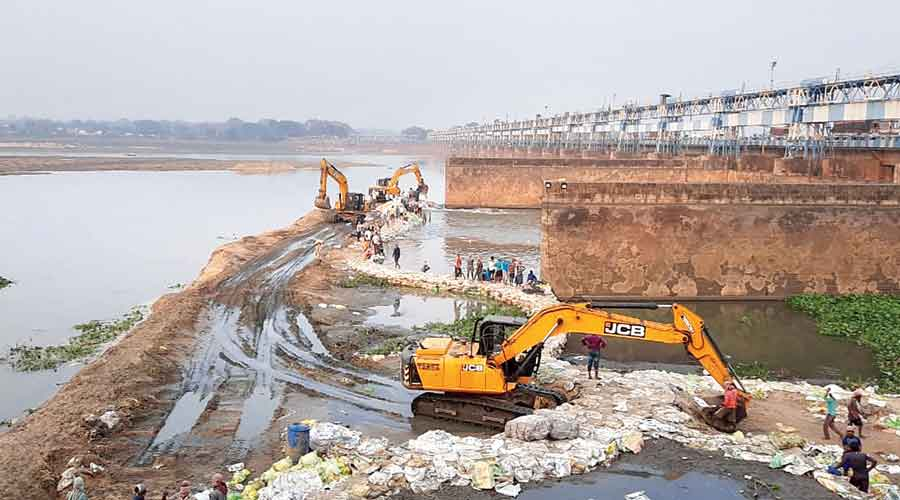 Durgapur Barrage on Tuesday