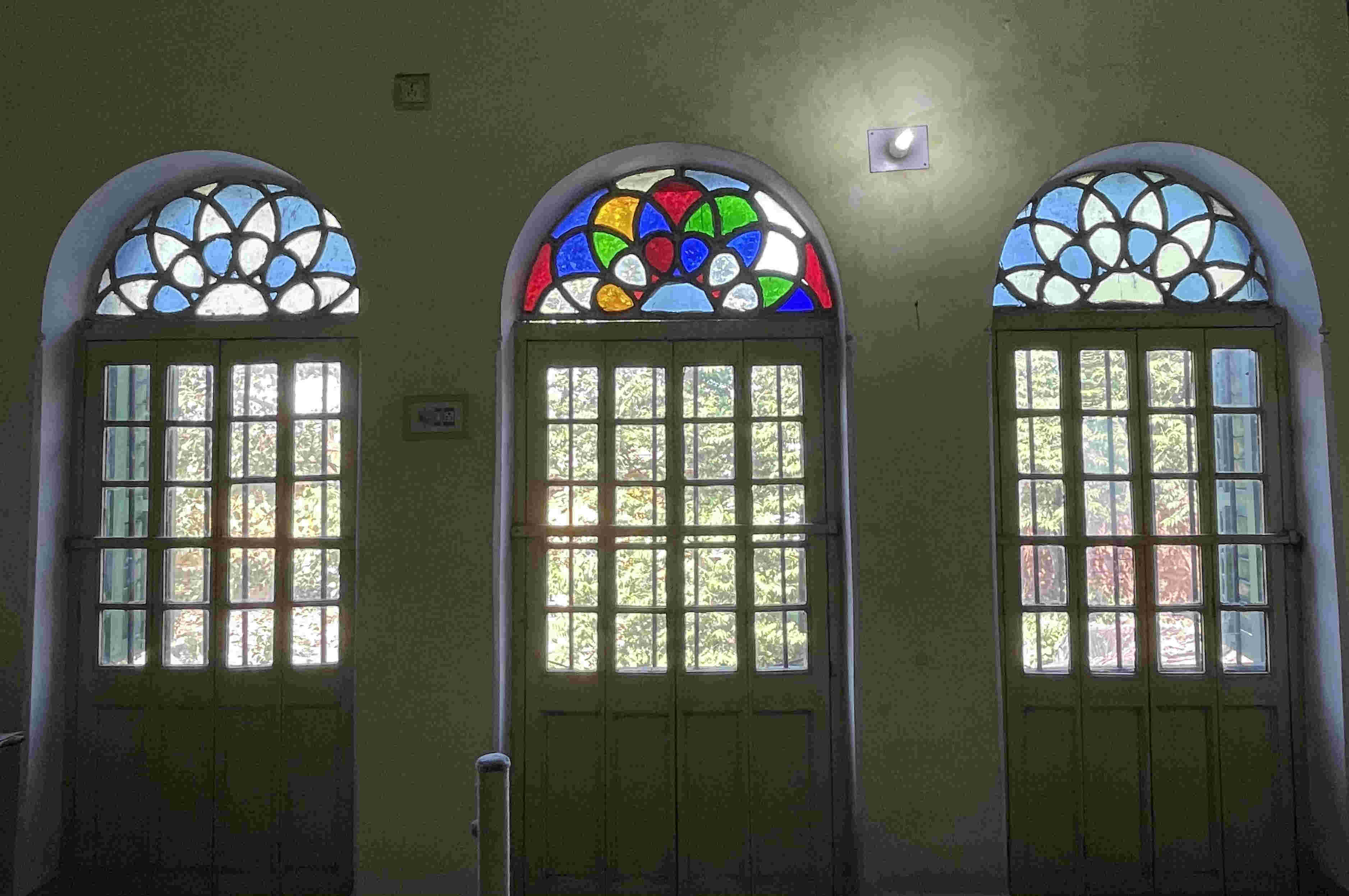 The colours on the stained glass windows are not oversaturated.