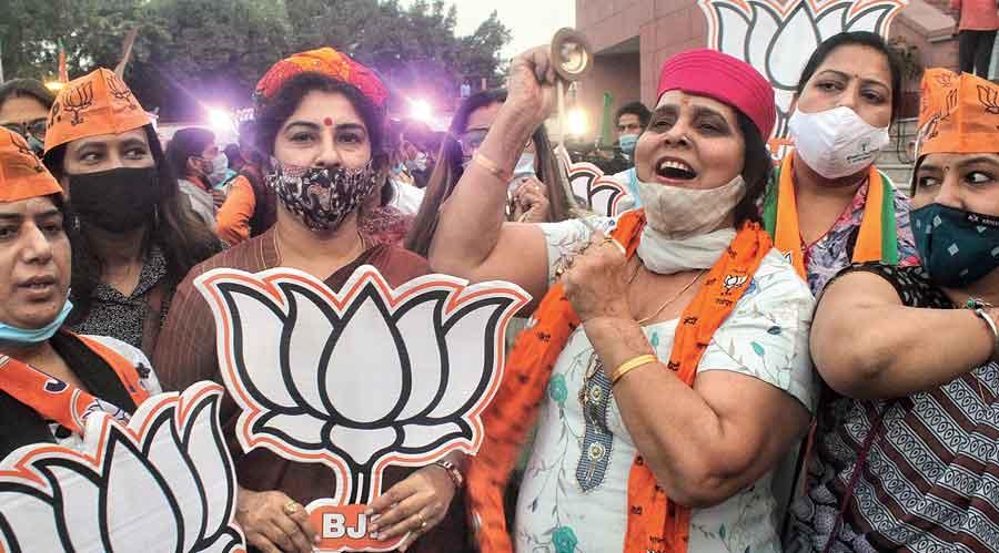 BJP sweeps bypolls across states