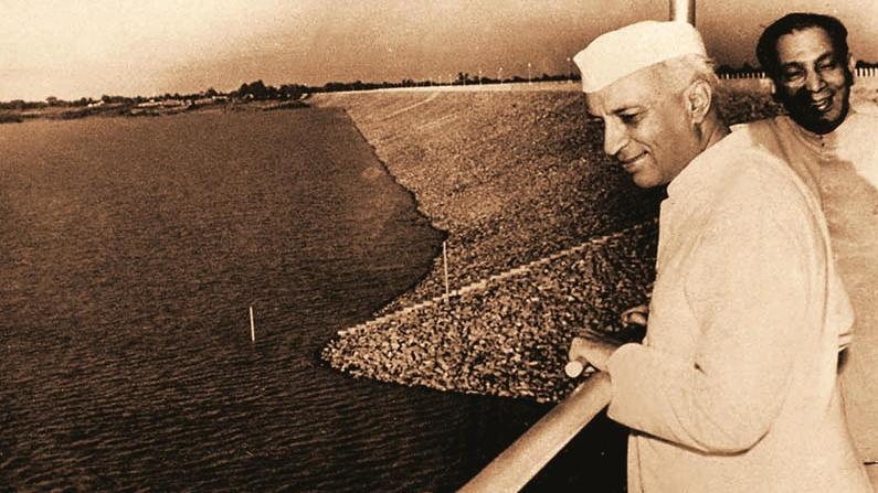 Jawaharlal Nehru at Konar Dam.