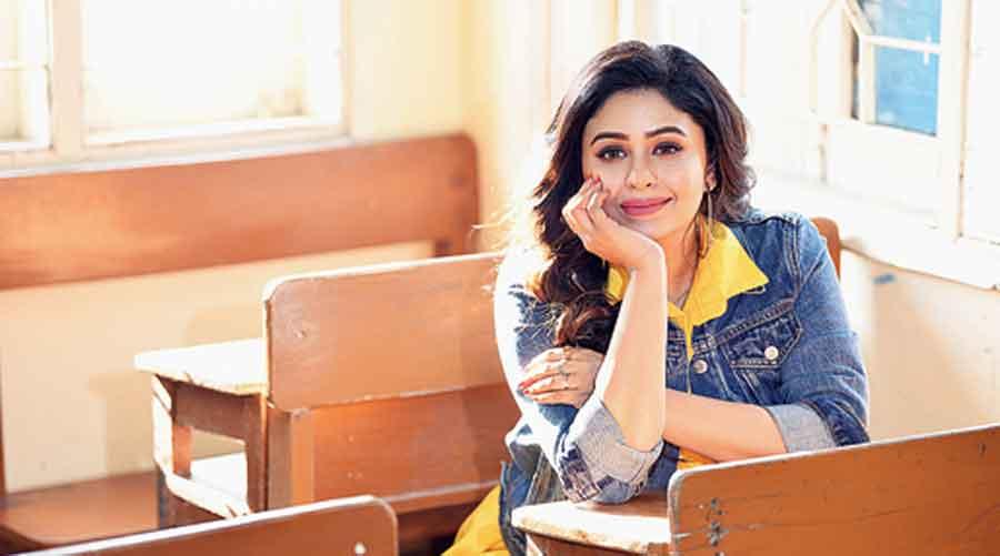 Ritabhari Chakraborty. Styling: Sandy Make-up: Babusona Saha; Hair: Sarmistha Majhi & Sima Ghosh
