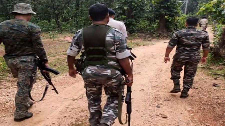 Alert police team in Chatra.