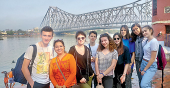 FunOnStreets took students from Italy for their Ghat Walk Tour along the Hooghly