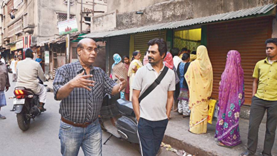 Film-maker Buddhadeb Dasgupta with Nawazuddin during the shoot