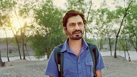 Nawazuddin Siddiqui in the Hindi film Anwar Ka Ajab Kissa, which is streaming on Eros Now