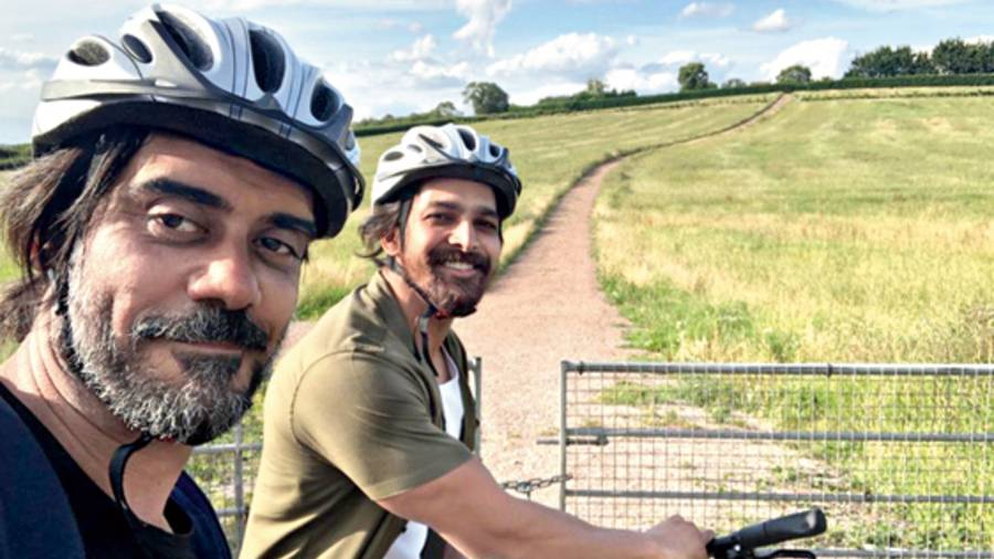 Saurabh Sachdeva (left) with Harshvardhan Rane on a cycling trip in Cheltenham, in the UK, while shooting for Taish, now streaming on Zee5