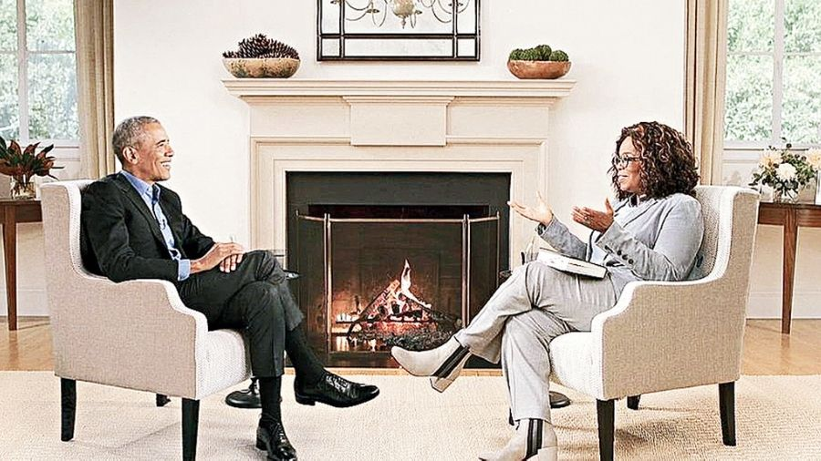 Barack Obama sat down with Oprah Winfrey to discuss his new memoir for an Apple TV+ interview.