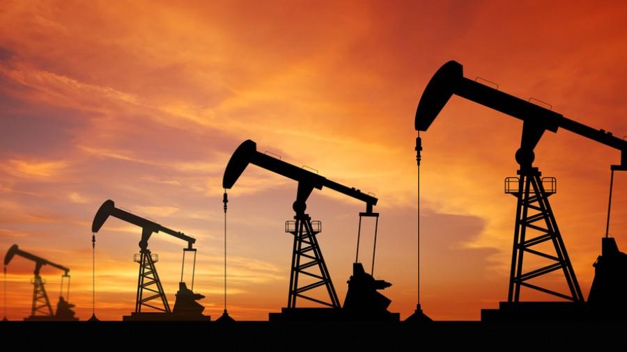 Oil drops as new coronavirus strain spreads