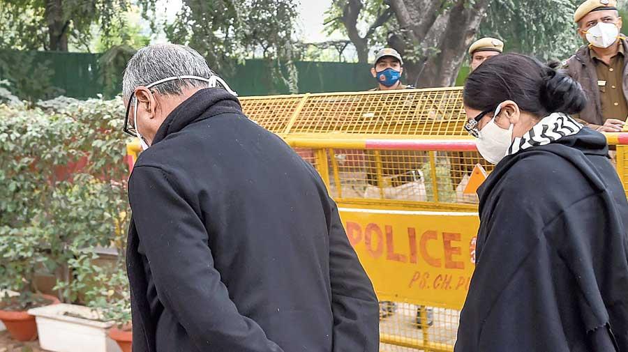 Congress leader Digvijaya Singh and his wife Amrita Rai arrive to pay their tribute.