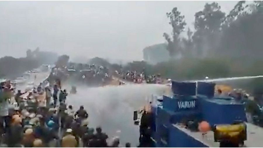 Haryana Police use water cannons, as farmers push through barricades -  Telegraph India