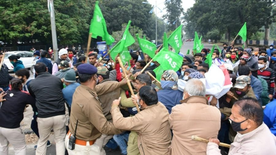 Members of the Apprentice Association clash with security personnel during their agitation on Friday in Bokaro.
