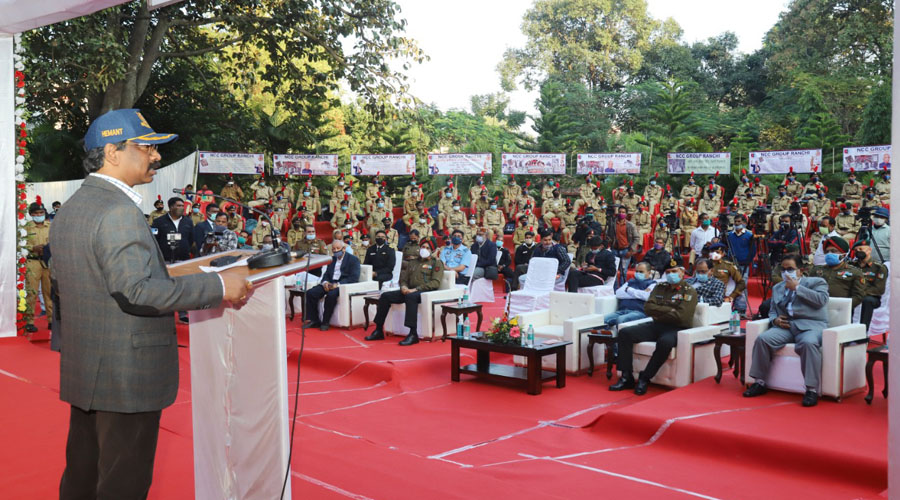 Chief minister Hemant Soren addresses the gathering at the concluding ceremony of the NCC's Constitution Day celebrations in Ranchi on Sunday.