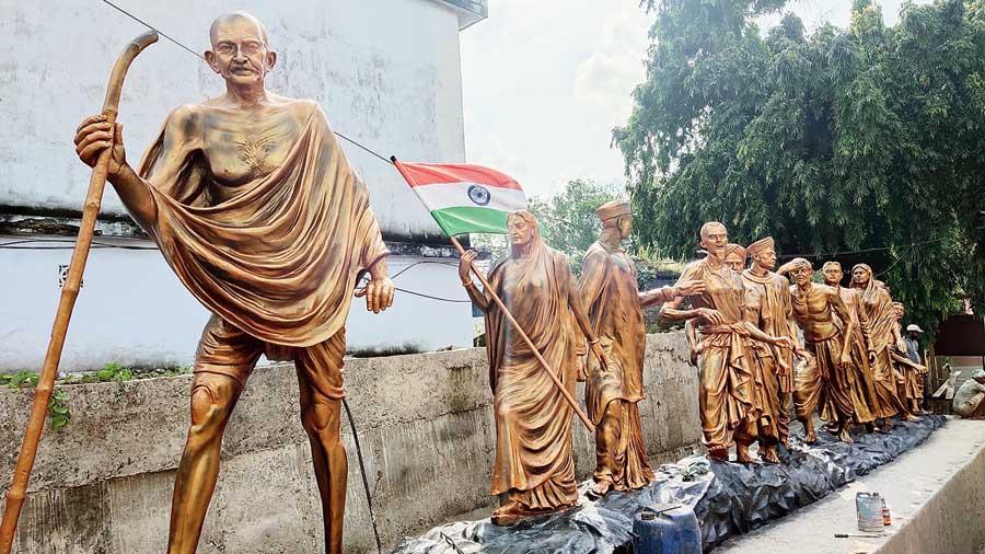 Gandhi's Dandi march model installed in Sainthia town, Birbhum, by the TMC-run civic body.