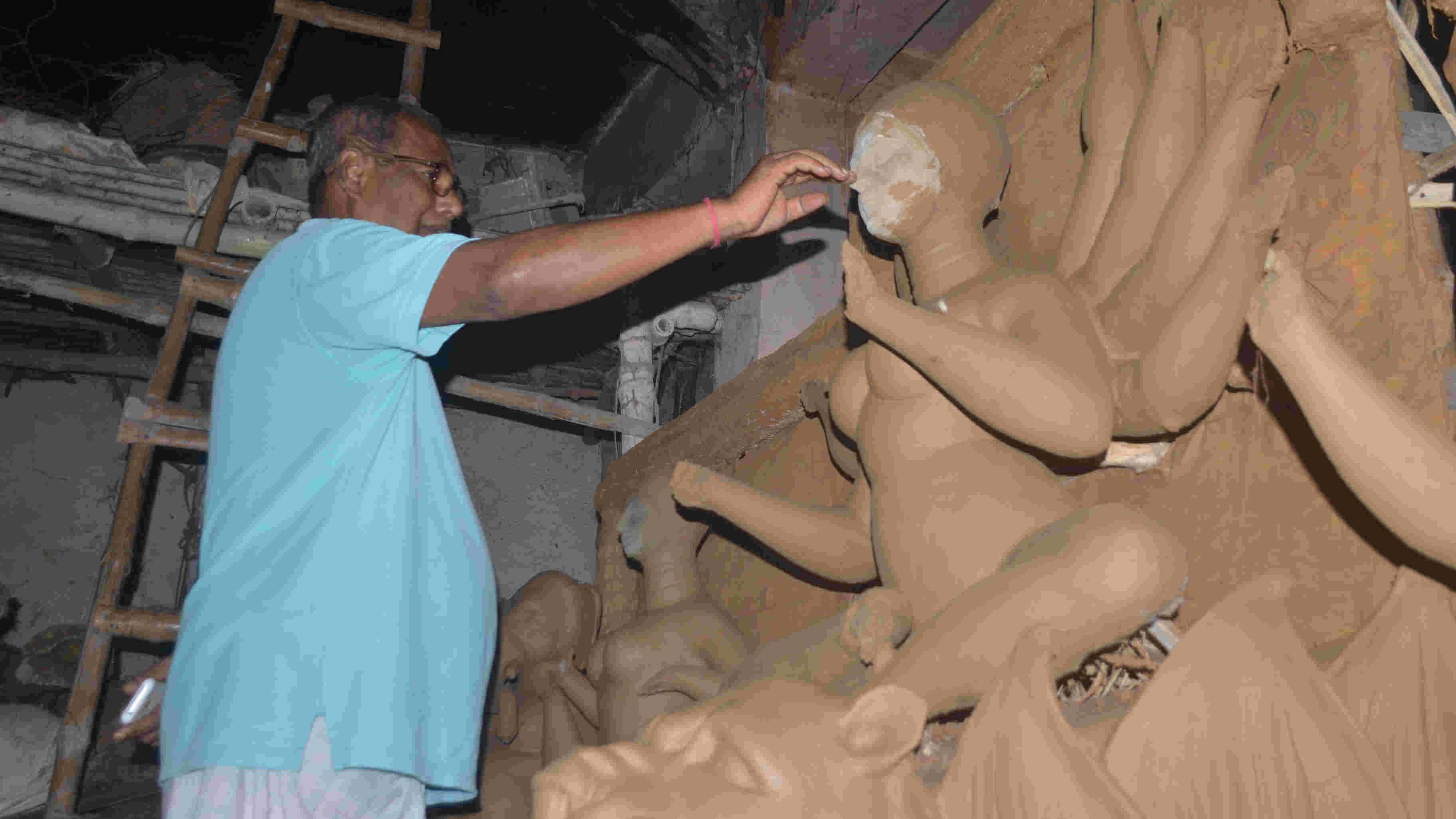 Artisans devastated by government cap on Durga idol height