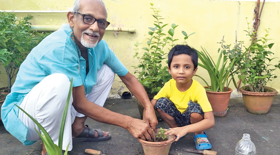 Pritansh Banerjee of Upper Infant celebrates  International Day for Older Persons with his grandfather