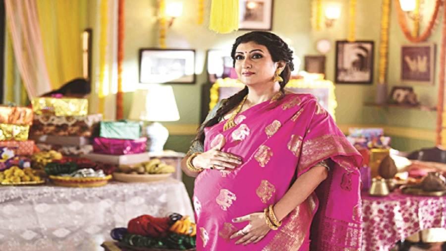 Juhi Parmar in a scene from the Zee TV serial Hamari Wali Good News