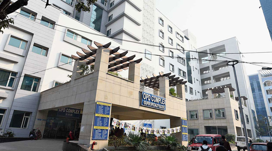 Calcutta Medical college asks for more doctors - Telegraph India