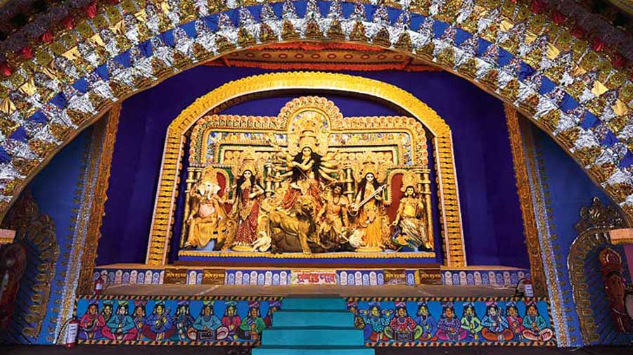 Covid: No God says 'go to pandal'