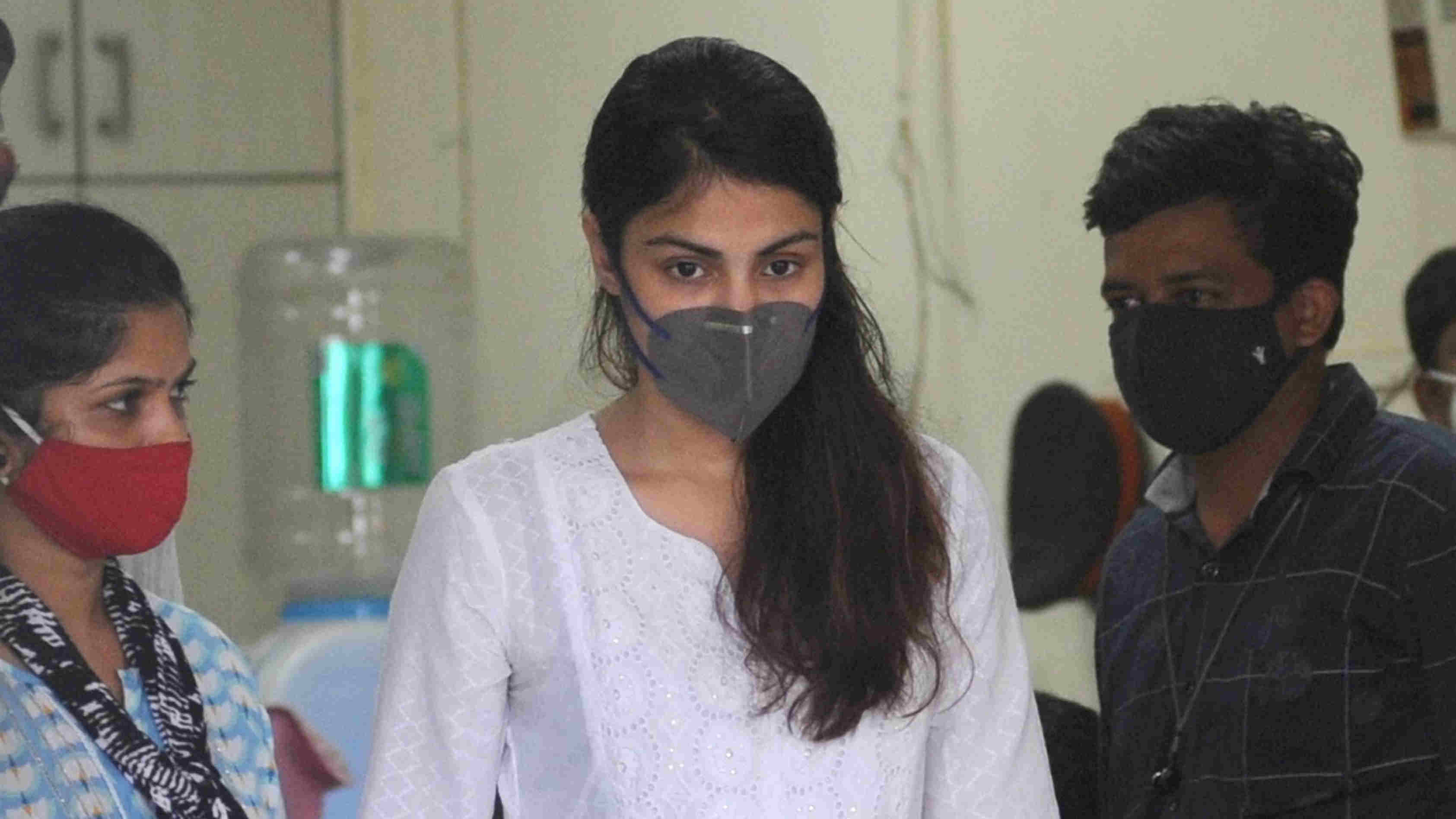 Rhea Chakraborty arrives at Santacruz police station, in Mumbai, Thursday, Oct. 8, 2020.