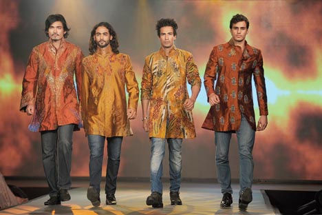 4. Twenty year celebration of brand Sharbari since 1991, at ITC Sonar, 2011