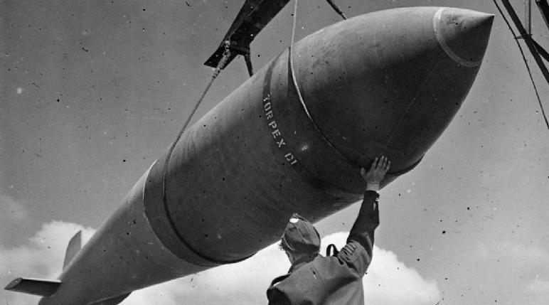 RAF ground crew handling a Tallboy bomb