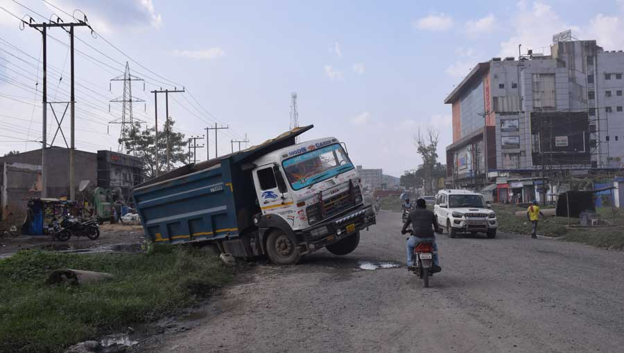 A dumper met with an accident on NH-33 near Jamshedpur on Wednesday.