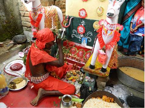 Entu Thakur puja of the Dom community of Amba