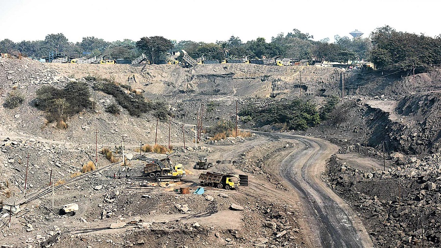 The Jharkhand government estimates the Centre owes Rs 5,000 cr in mining royalties. Picture shows the Kapsara outsourced coal mine of ECL