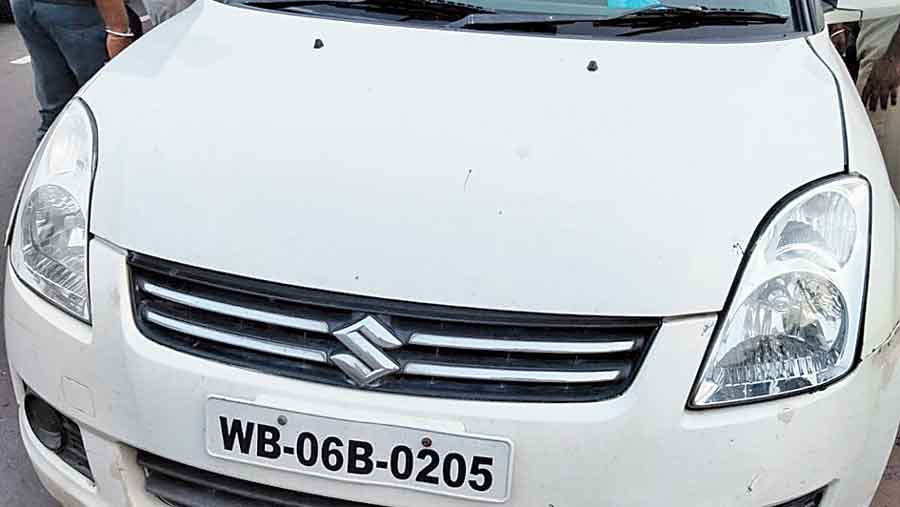 The car from which the gold was seized in Burdwan on Saturday