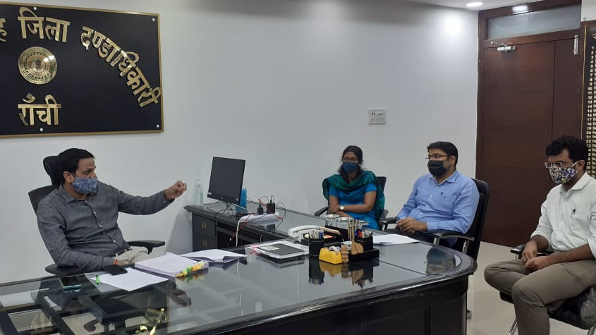Ranchi deputy commissioner Chhavi Ranjan (left) discusses Durga puja plans with officials on Monday.