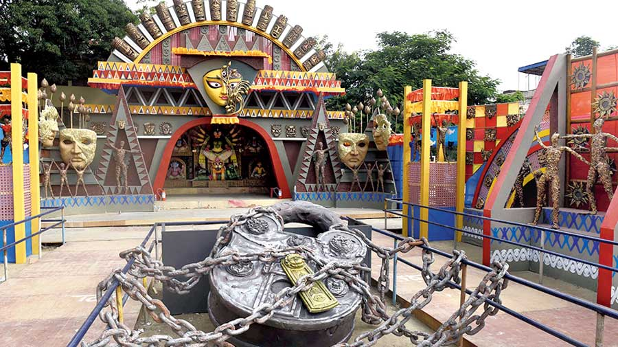 Lockdown is the theme of the puja pandal of Kumartuli Park in Calcutta.