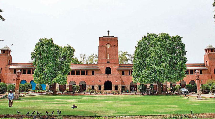 Govt quells Delhi University crisis
