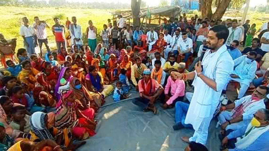 Public meetings of BJP and Congress in Bermo.