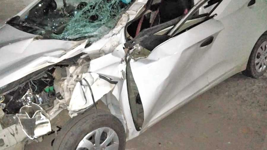 Speeding car kills elephant - Telegraph India