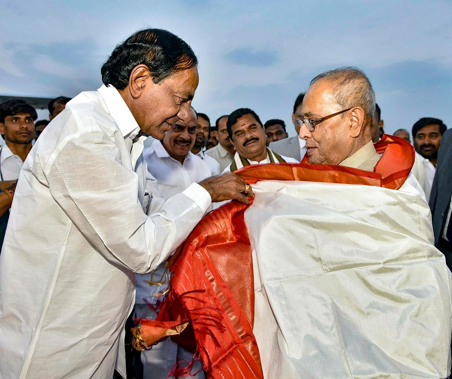 Pranab Mukherjee with Telangana State Chief Minister K Chandrashekar Rao.