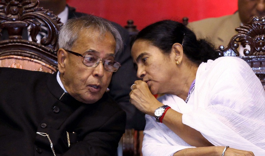 Pranab Mukherjee with Bengal CM Mamata Banerjee during the Sesquicentennial Celebrations of Calcutta High Court in Calcutta on May 5, 2013.