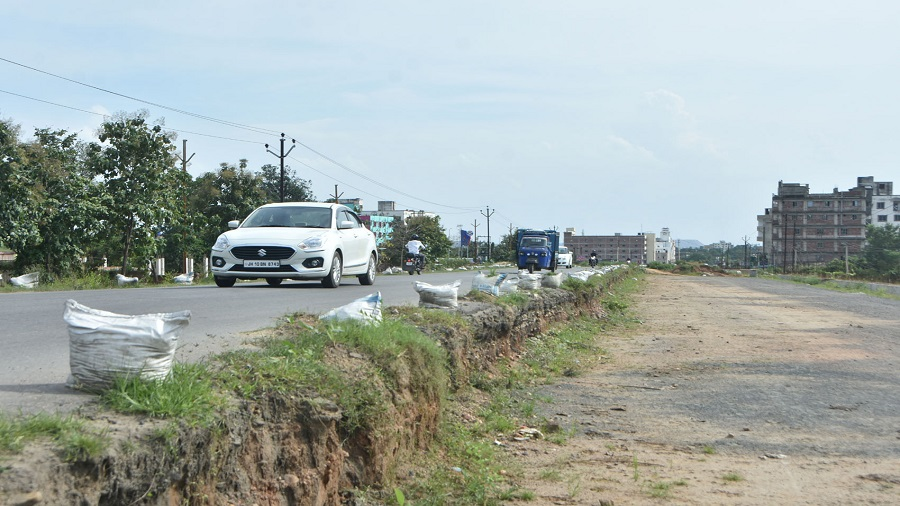 The incomplete eight-lane road at Nawadih in Dhanbad on Wednesday