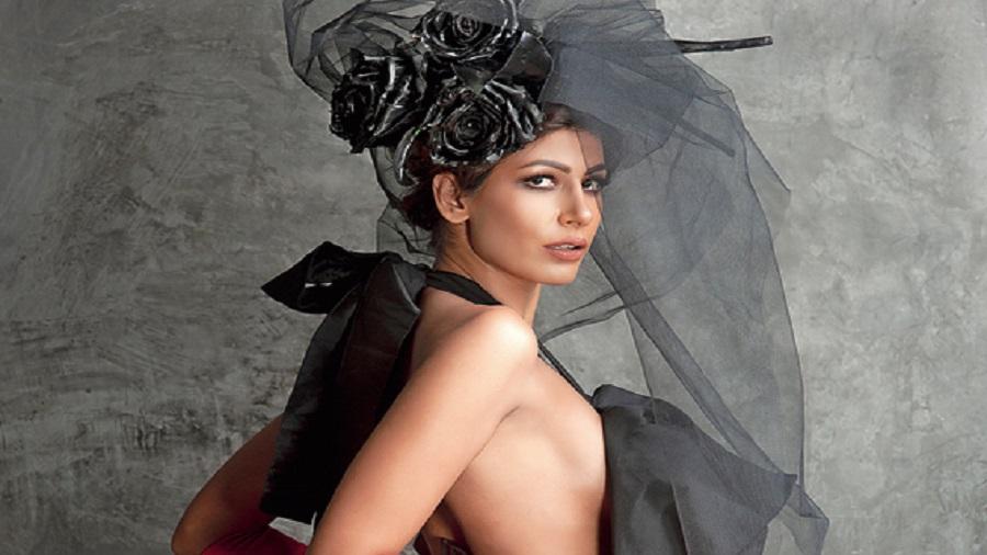 Aasttha Ssidana wearing Prashant Verma, 2017
