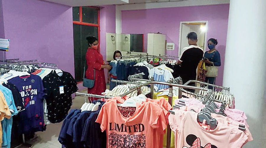 Pantaloons stalls