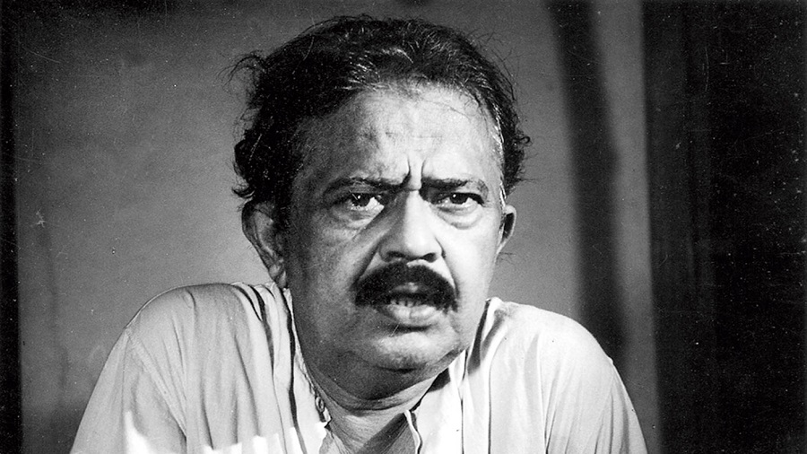 1.Satyajit Ray rated this film among the most important early Bengali sound films and regarded the director as the first genuine purveyor of Bengali social comedies. This film director's formal training in the visual arts, literature and photography often yielded dexterous combinations of witty dialogue, inventive acting and a fluid narrative style that rarely resorted to middle-class sentimentalism while evoking, with a sense of self-mockery, its manners and conversational culture. He did several significant films with Bhanu Bandyopadhyay. Who is the director we are talking about?