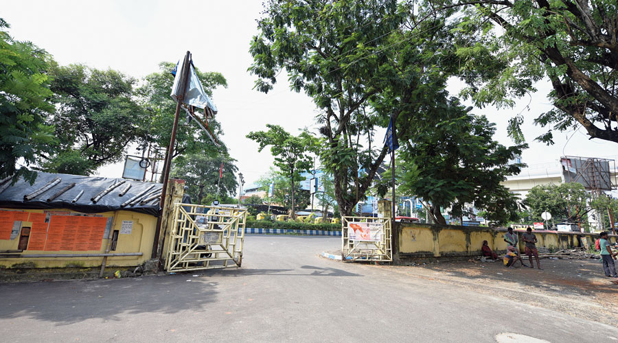 A lamp post at the main gate of Karunamoyee Housing Estate that was damaged by Cyclone Amphan on May 20. It has not yet been repaired.
