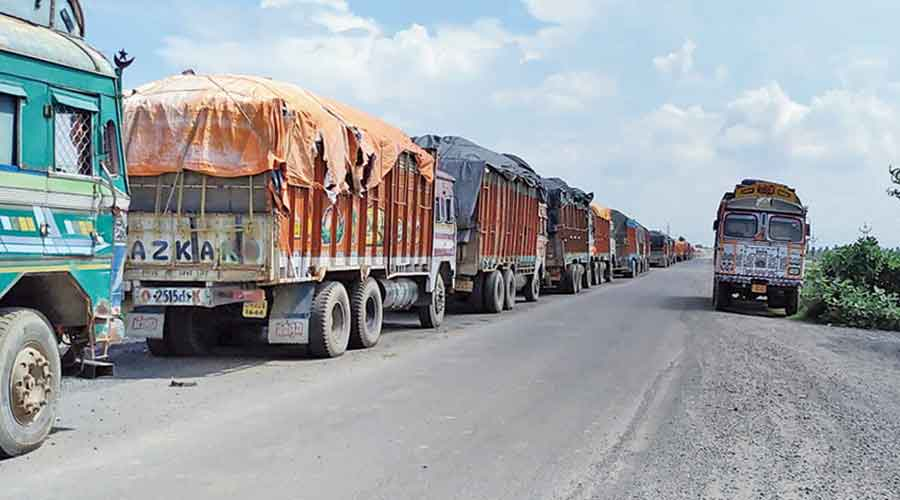 Sunday's suspension of the border trade was a consequence of the events that took place on Saturday when only 50 per cent of the goods-laden trucks could cross the border because of power cut between 10am and 4pm.