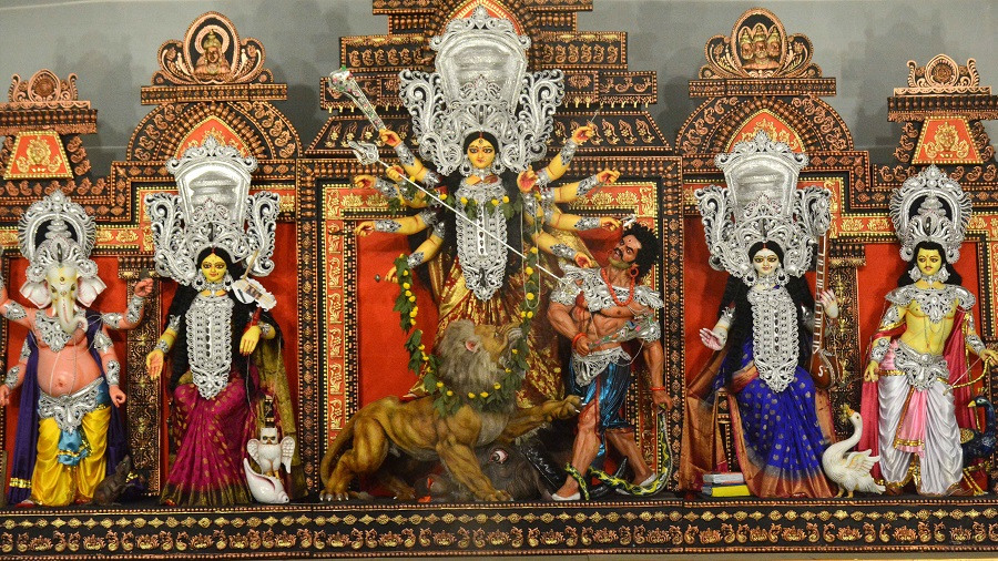 All visitors to the puja pandals shall be subject to thermal scanning by puja organisers