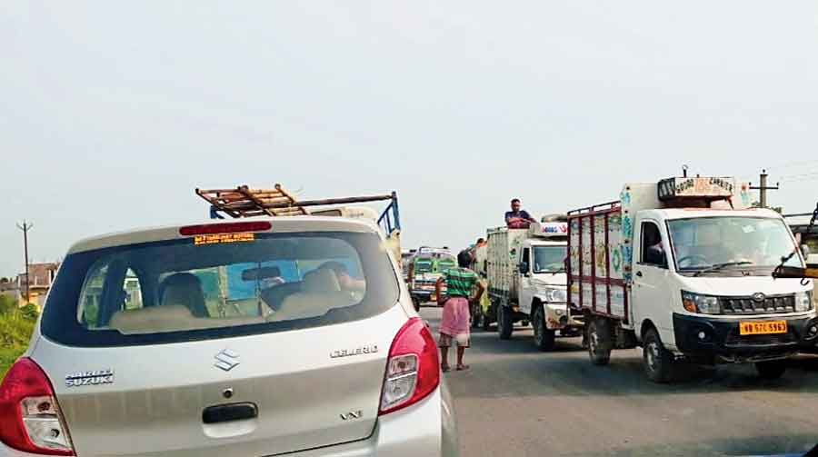 A traffic jam on NH12 near Chakdah on Wednesday morning.