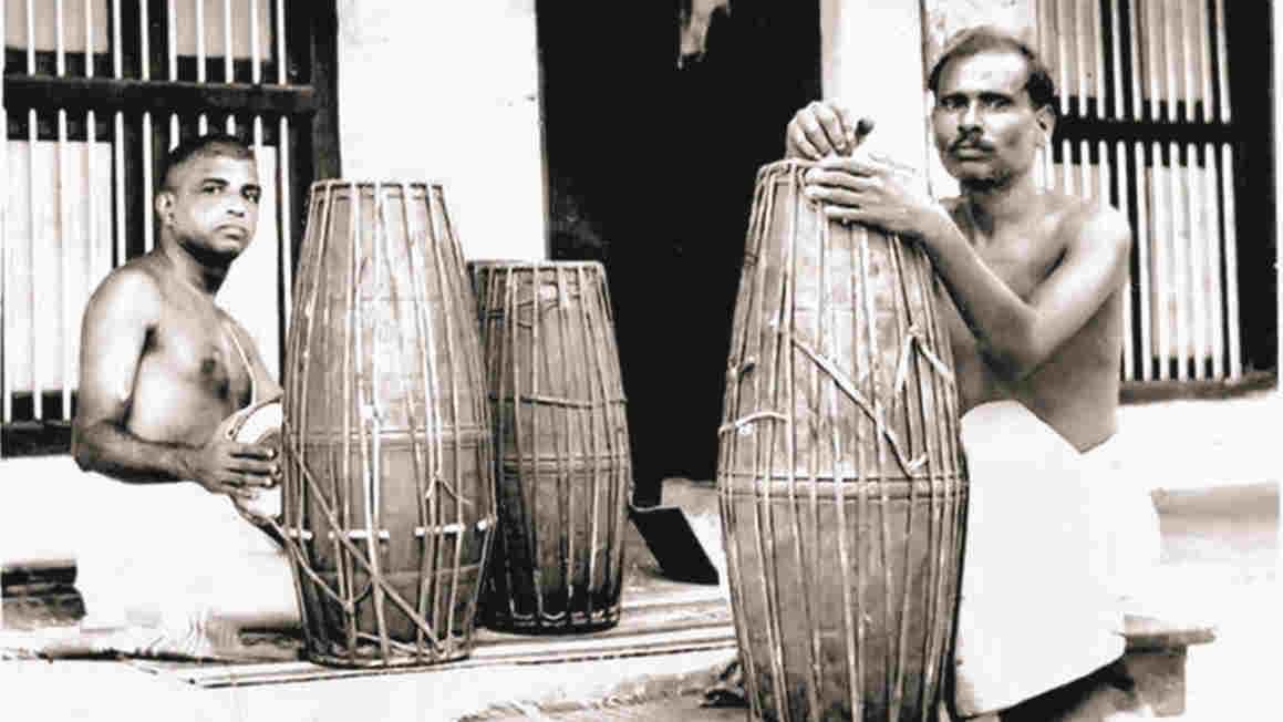 Palghat Mani Iyer with the mrdangam maker, Parlandu.