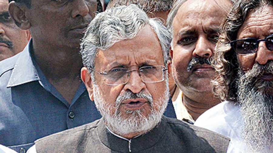 Sushil Kumar Modi: Friendly ties