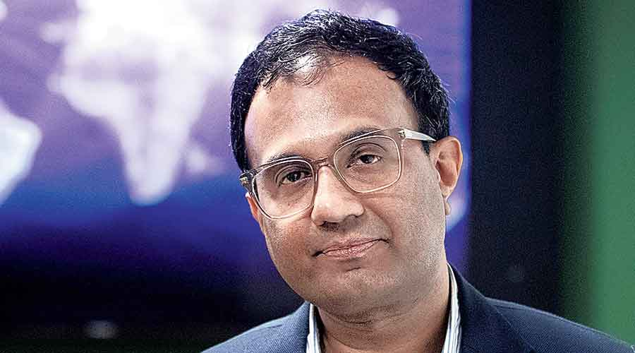 Delhi panel summons Facebook India head